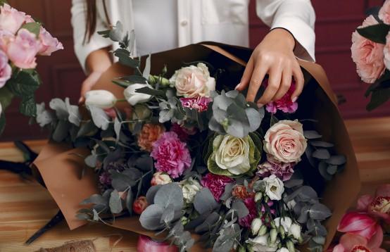 Een mooi boeket om het bruidspaar mee te feliciteren