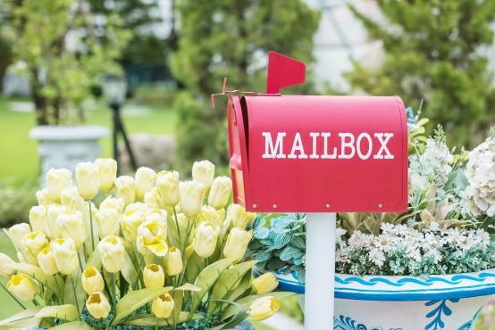 Populaire brievenbusbloemen met Pasen kiezen